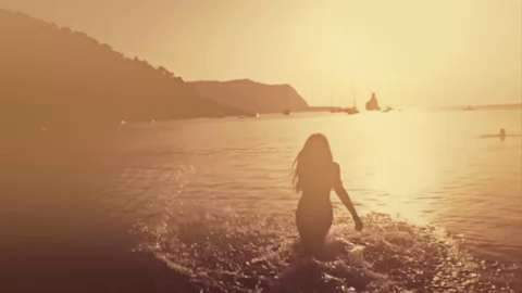 Doorly feat Soraya Vivian - Rush (Official Music Video).mp4